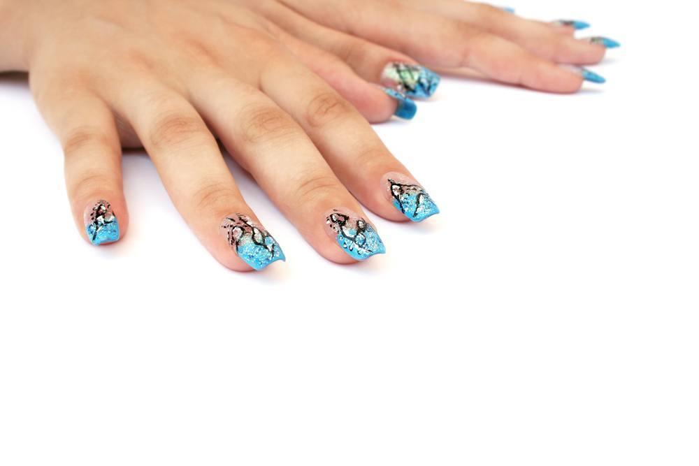 unha decorada azul shutterstock_65931568